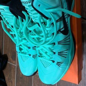 Nike Shoes - Nike Hyperdunk basketball shoe